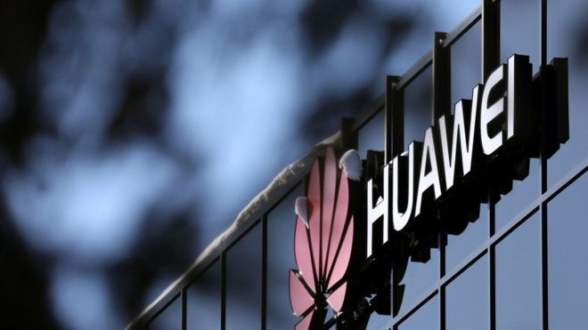 Huawei risk can be managed, say UK cyber-security chiefs