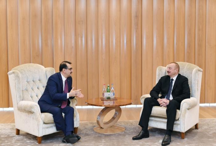 Entretien duprésident azerbaïdjanais avec leministre turc de l