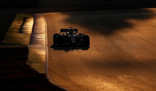 La sorpresa de Toro Rosso, Mercedes sigue en cola en los entrenamientos de Montmeló