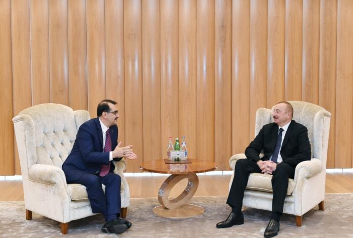 Presidente Ilham Aliyev se encuentra con el ministro turco-FOTOS