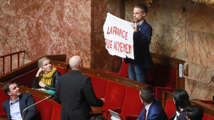 """Francia mata en Yemen"", dice un diputado francés"