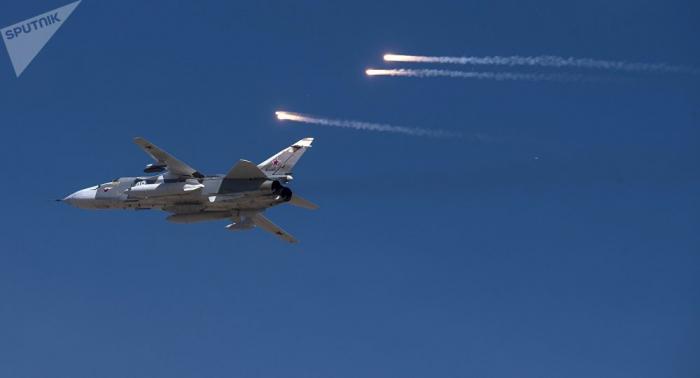 Mueren dos pilotos al estrellarse un avión de combate Su-24 en el norte de Argelia