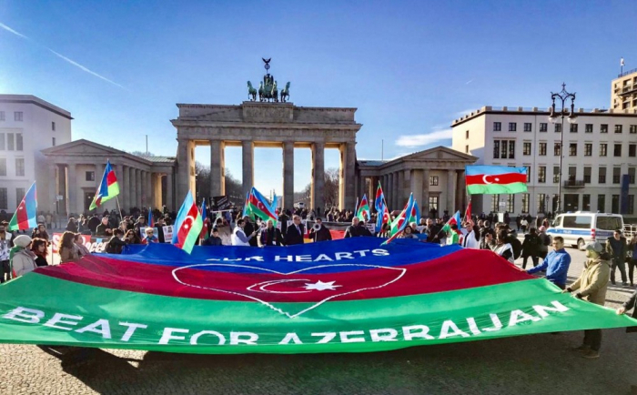 Azerbaijanis held rally on Khojaly genocide in Berlin