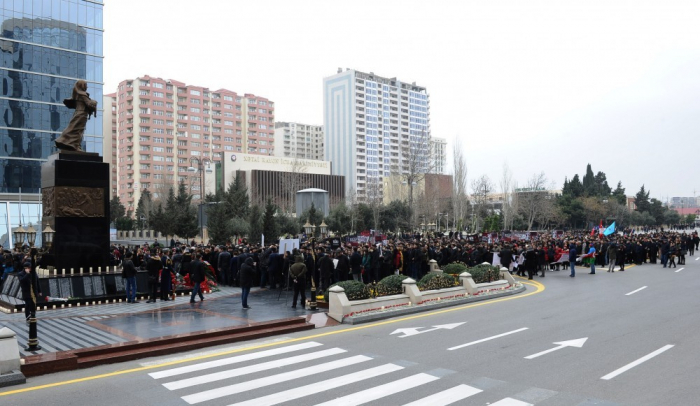 Tens of thousands of people visit Mother's Cry Memorial to commemorate Khojaly Genocide