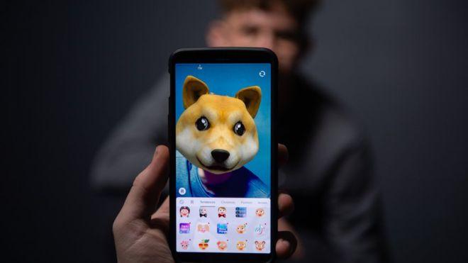 TikTok: Record fine for video sharing app over children