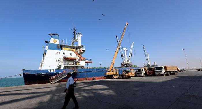 """""""أنصار الله"""" تتهم التحالف باحتجاز 4 سفن نفطية"""