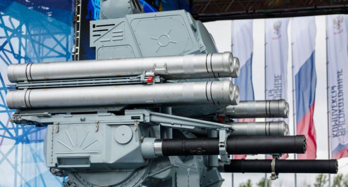 """عرض النظام الصاروخي البحري المعقد """"بانتسير"""" لأول مرة في """"آيدكس"""""""