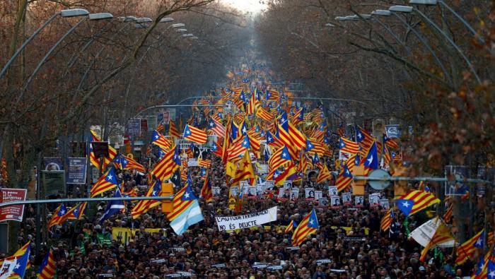 Barcelone:   200.000 manifestants   contre le procès des indépendantistes