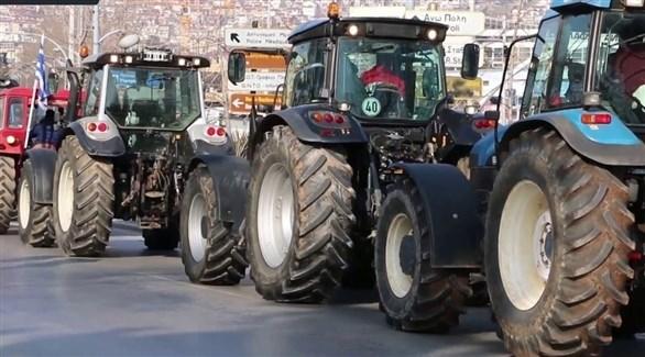 اليونان: مزارعون يقطعون الطرقات احتجاجاً على أسعار الوقود