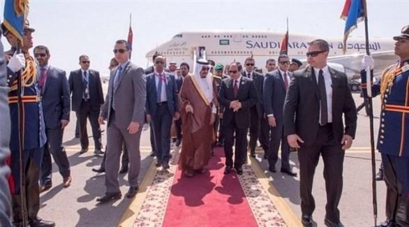 الملك سلمان يصل شرم الشيخ للمشاركة في القمة العربية الأوروبية
