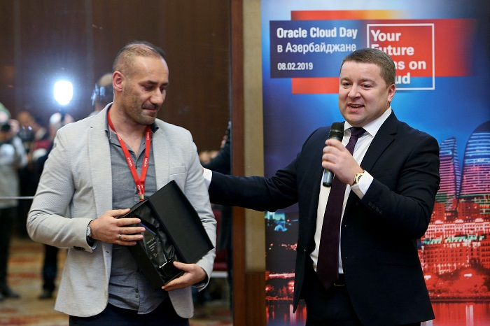 """Azercell """"Oracle Innovation Award"""" ilə təltif edildi"""