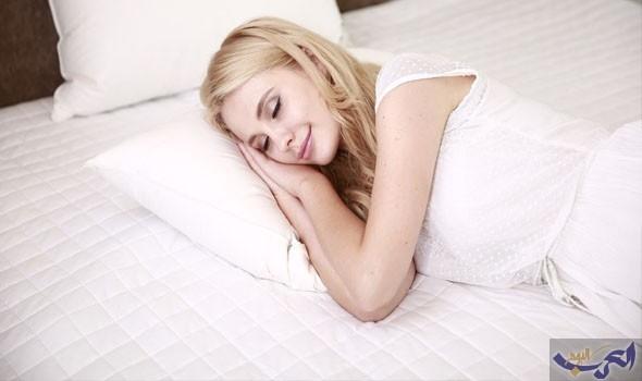 """النوم على طريقة """"البومة"""" يصيبك بضعف التركيز"""