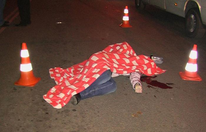 Sərnişin avtobusu yolu keçən qızı vurub öldürdü