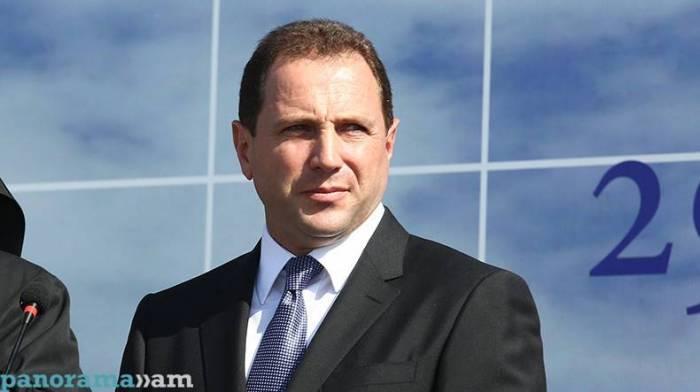 Ermənistanın müdafiə naziri Moskvaya gedib
