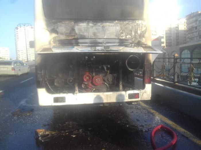 Bakıda sərnişin avtobusunda yanğın olub - FOTO