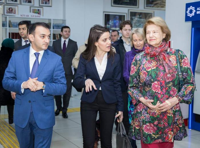 """Baronessa Nikolsan """"ASAN xidmət""""də - FOTOLAR"""
