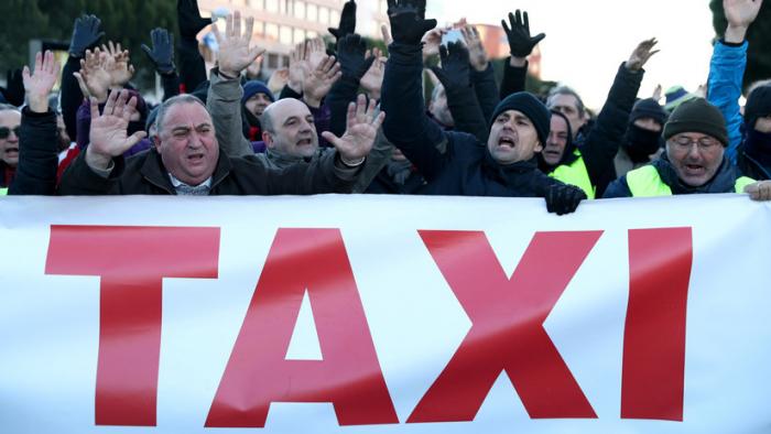 Taxistas de Madrid terminan la huelga tras 16 días de protestas