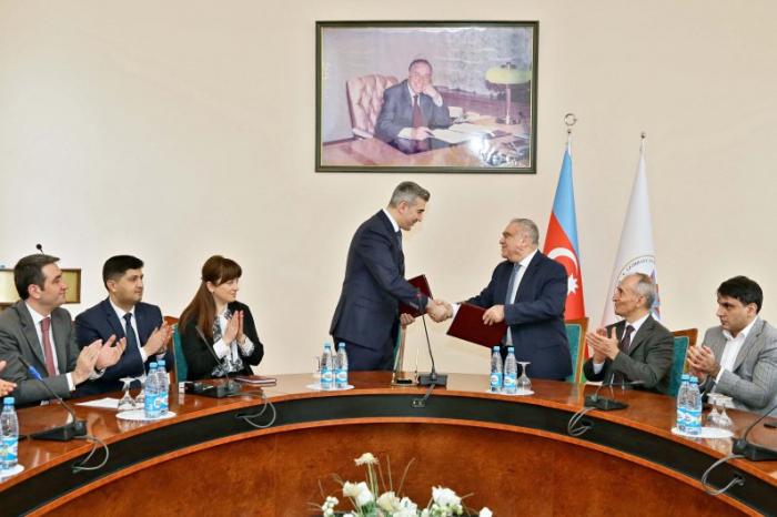 DMX ilə İdarəçilik Akademiyası arasında memorandum imzalanıb - FOTOLAR