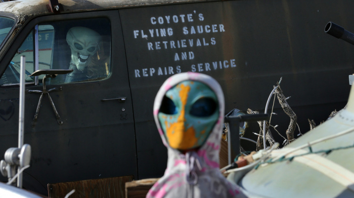 Ufologist claims 'global intelligence' covering up ALIEN LIFE on Earth for 'decades'