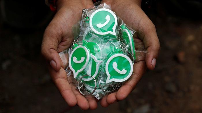¿Cómo evitar que     WhatsApp     nos llenela memoria del móvil?