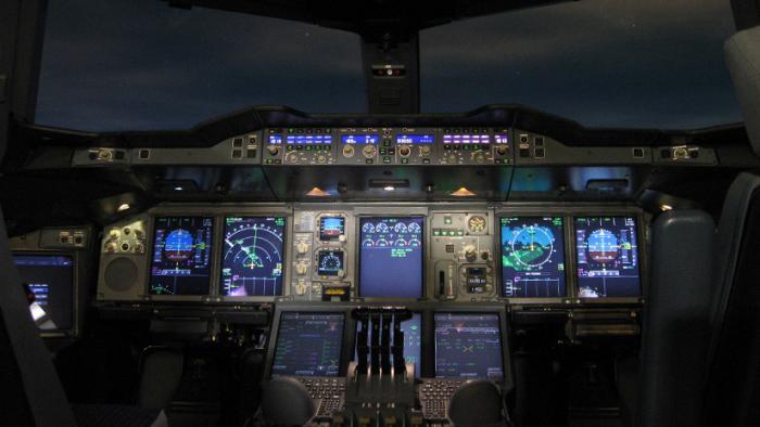 VIDEO:   Graban a un piloto chino dormido en pleno vuelo