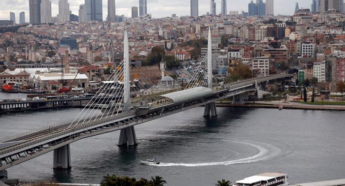 بالفيديو...اشتباكات بالسكاكين بين أتراك وسوريين في إسطنبول