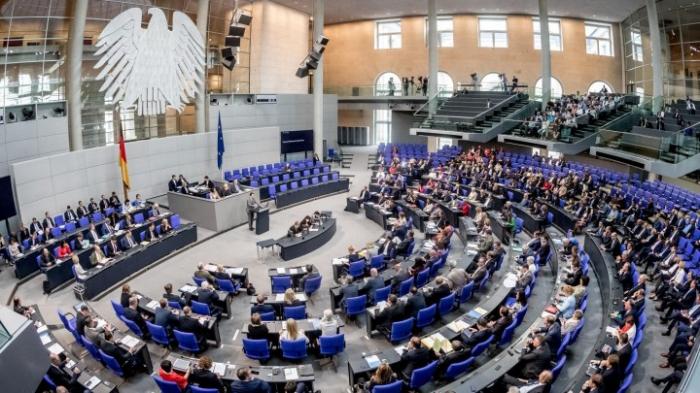 Abgeordnete beraten über Reform des §219a