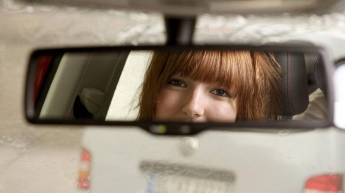 Fahrschul-Autos blockieren den Verkehr