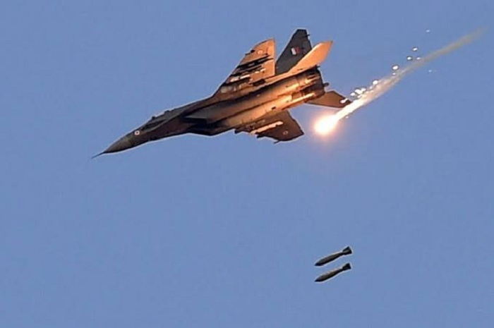 India carries out air strikes inside Pakistan