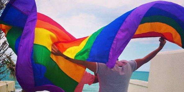 Malaisie:  un tribunal islamique inflige des coups de bâton à 4 homosexuels