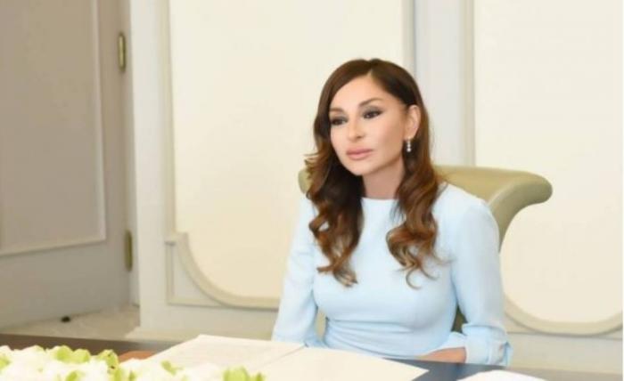 Mehriban Əliyeva əfsanəvi pilotun ailəsinə kömək əlini uzatdı