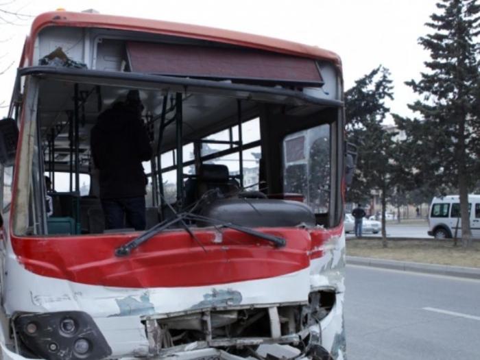 Bakıda avtobus qəzasında 10 nəfər xəsarət alıb - Yenilənib