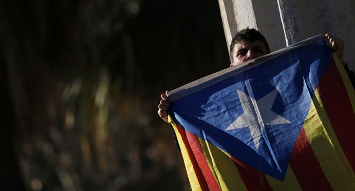 Sindicatos y partidos políticos independentistas protestan en Barcelona