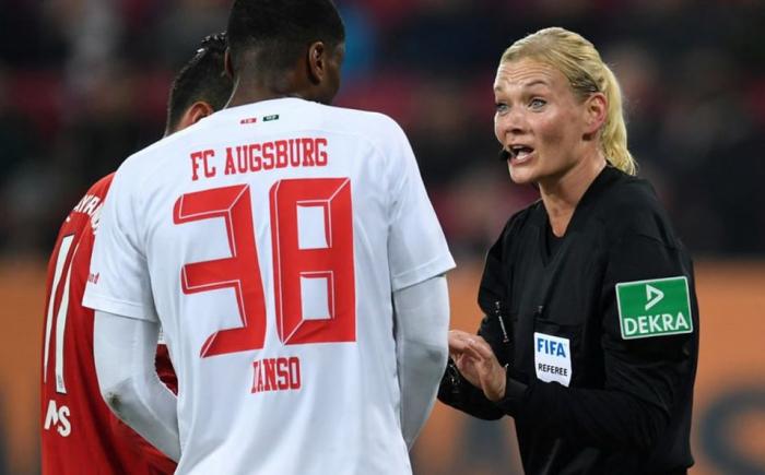 TV de Irán cancela transmisión Bayern Múnich vs. Augsburgo por participación de una árbitra