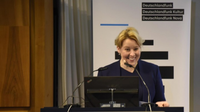 FU Berlin prüft Dissertation von Ministerin Giffey