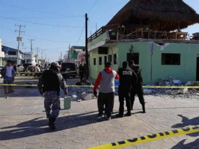 Caída de marquesina deja tres muertos y 15 heridos en Puerto Progreso