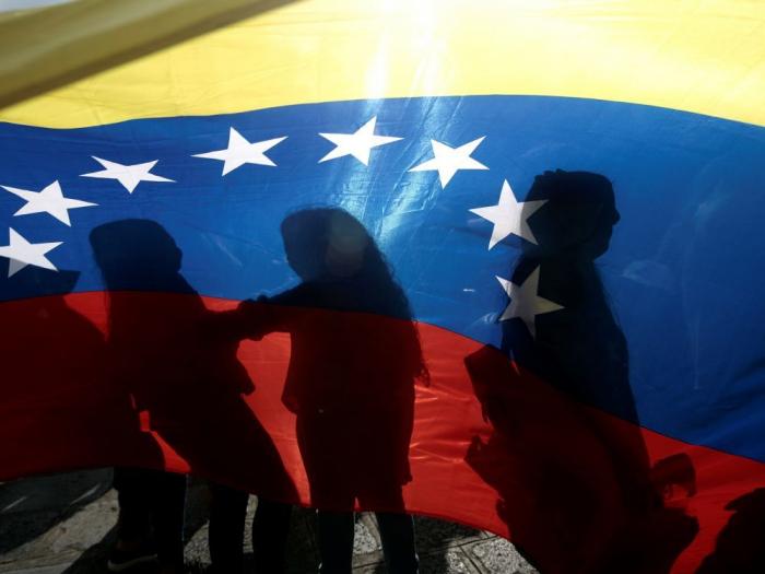Américains et Russes défendent deux projets de résolution concurrents sur le Venezuela à l