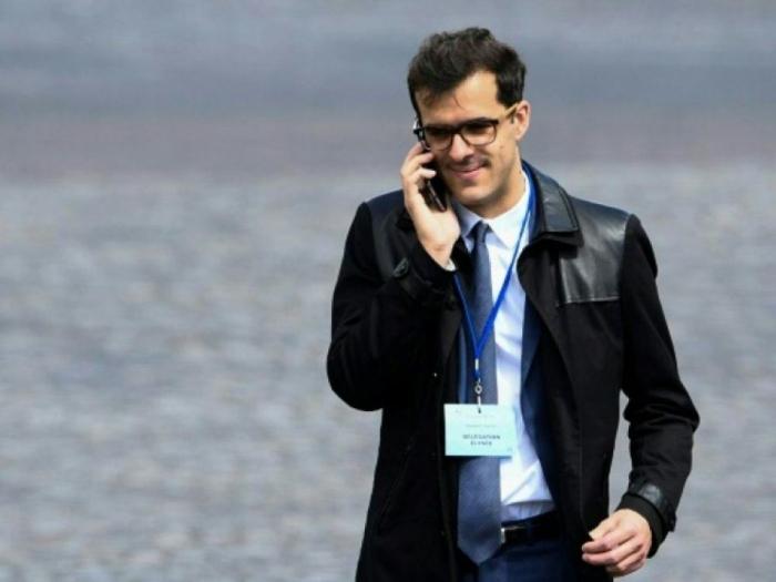 France :   démission du conseiller spécial d'Emmanuel Macron