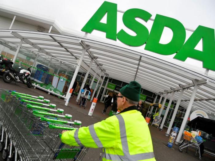 Londres menace de bloquer le projet de fusion Asda-Sainsbury