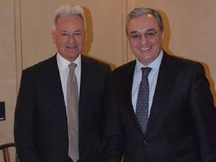 Mnatsakanyan a discuté du Karabakh avec le ministre britannique
