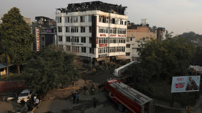 VIDEO  : Incendio en un hotel de Nueva Delhi se cobra la vida de al menos 17 personas