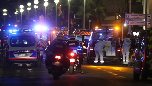 Shootout in Marseille: Police shoot attacker who stabbed 4 people - reports