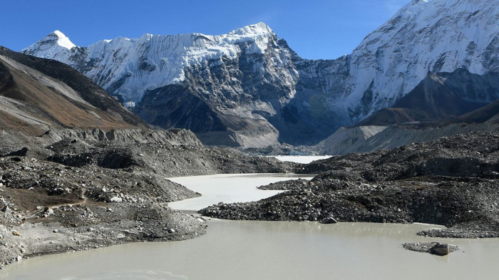 Shock warning  on melting glaciers in the Himalayas