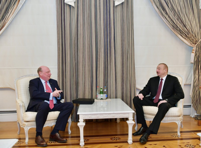 Ilham Aliyev acoge a la delegación de la DG MOVE