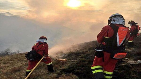 Alrededor de 50 incendios azotan el norte de España