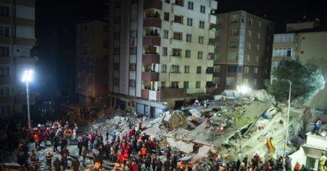10 dead in Istanbul apartment building collapse