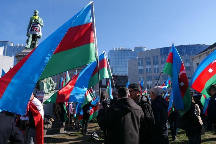 Se está realizandoel mitinde Karabaj en Bruselas-  En Vivo