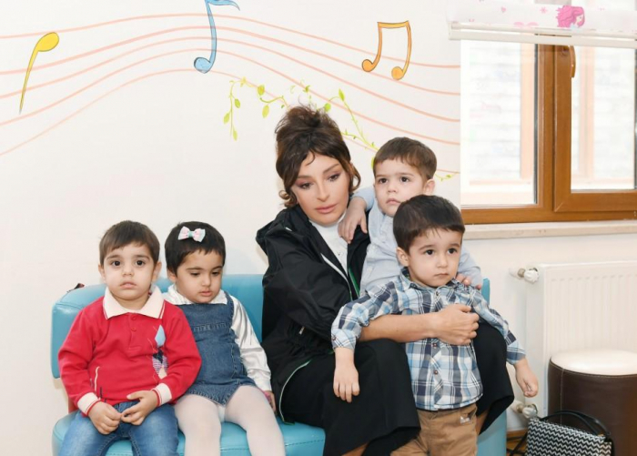 First VP Mehriban Aliyeva meets residents of orphanage #1 in Baku