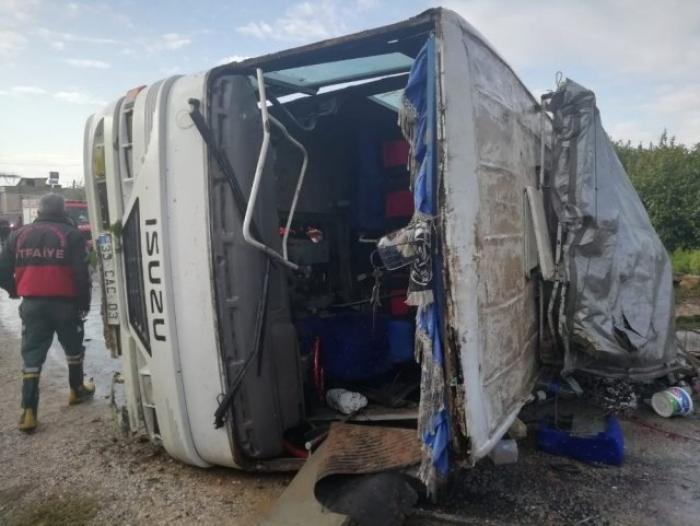 Türkiyədə avtobus aşıb: Ölən və yaralılar var