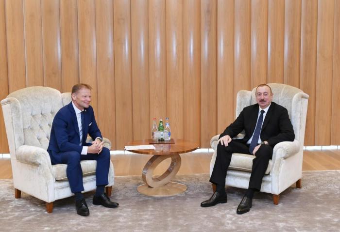 Ilham Aliyev meets EIB vice-president